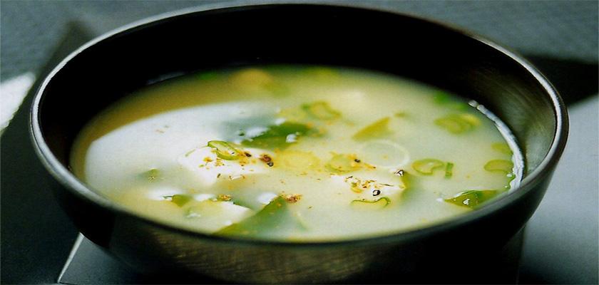 sopa depurativa de miso